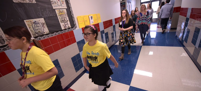 Willow Springs students conduct building tours