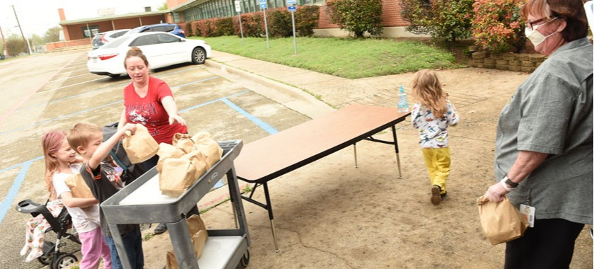 KISD schools continue preparing meals, take-home packets