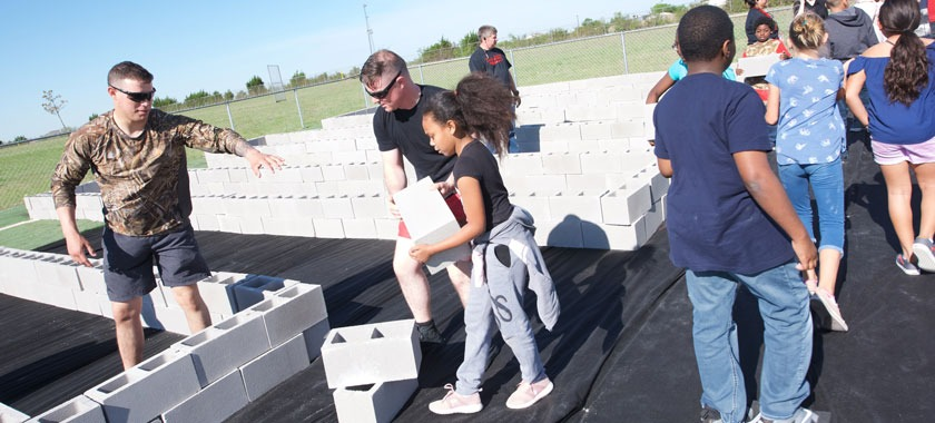 Soldiers and students build Reeces Creek garden