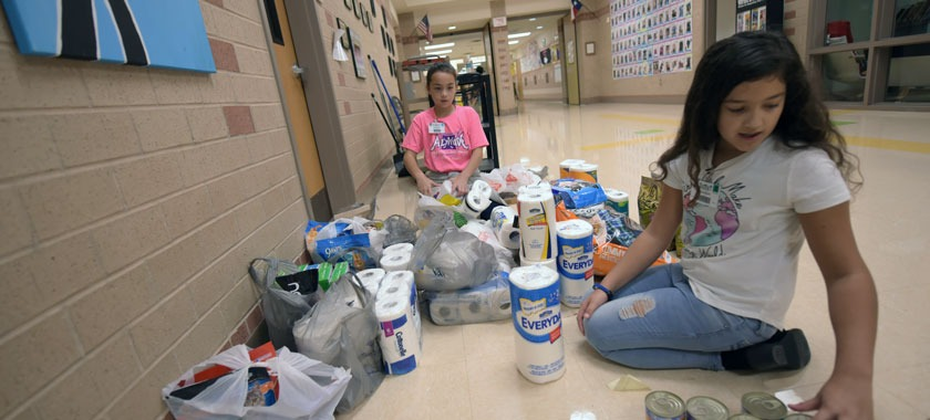 Saegert Elementary Make a Difference Day