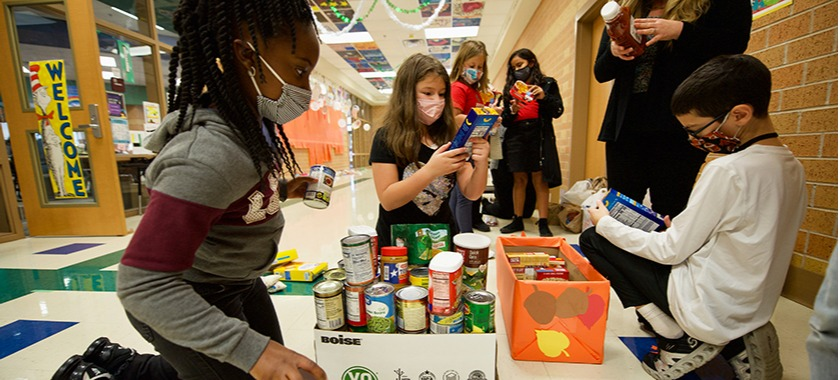 Meadows Youth Ambassadors Donate Food