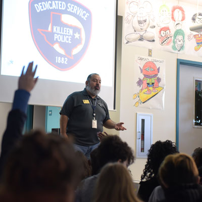 KPD safety coordinator shares safety tips at Brookhaven ES